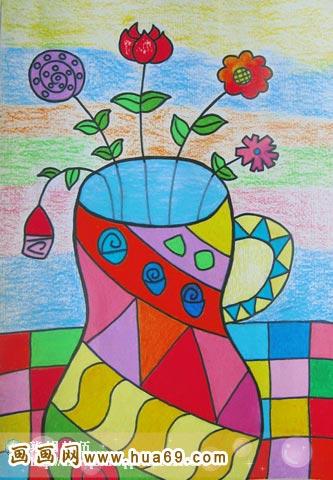漂亮的花瓶 儿童蜡笔画作品