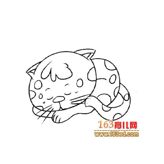 睡觉的小猫简笔画5