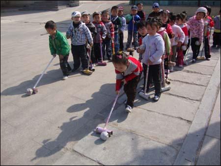 幼儿园优秀教案小班户外亲子游戏活动方案