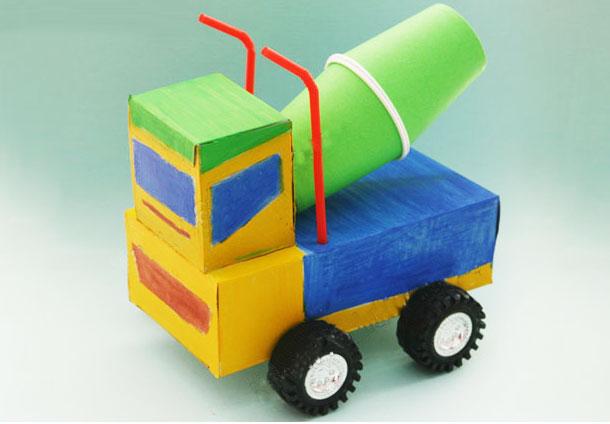 幼儿废旧物品手工:纸盒水泥车