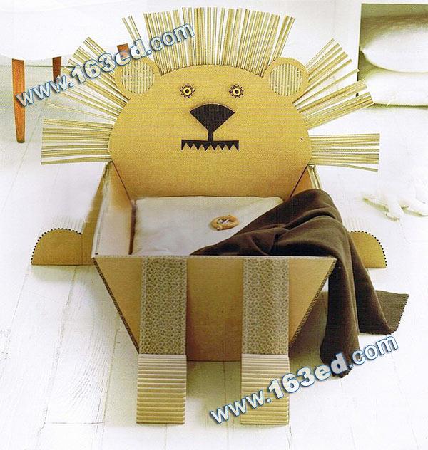 幼儿手工制作的瓦楞纸狮子收纳盒