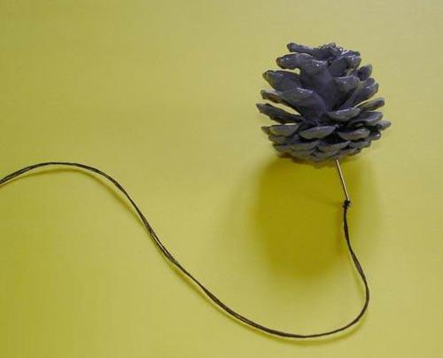 废旧物品手工制作:漂亮的松果风铃