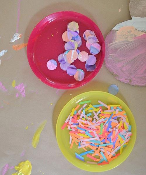 幼儿手工 废旧利用 >> 正文  废弃物品手工:瓦楞纸制作的超级冰激凌