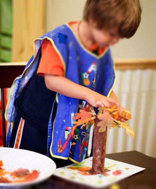 幼儿手工:废旧纸筒制作秋天的树