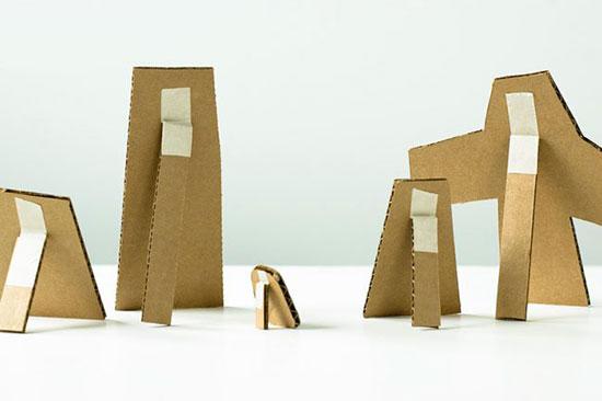 幼儿废旧利用手工:纸箱制作可站立的涂鸦板—儿童手工