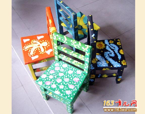 纸盒做的小椅子_幼儿废旧物品手工制作