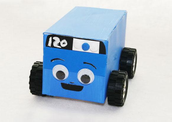 幼儿废旧物品手工:纸盒120汽车