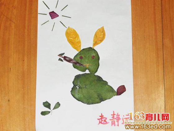 兔子吃萝卜 树叶粘贴画